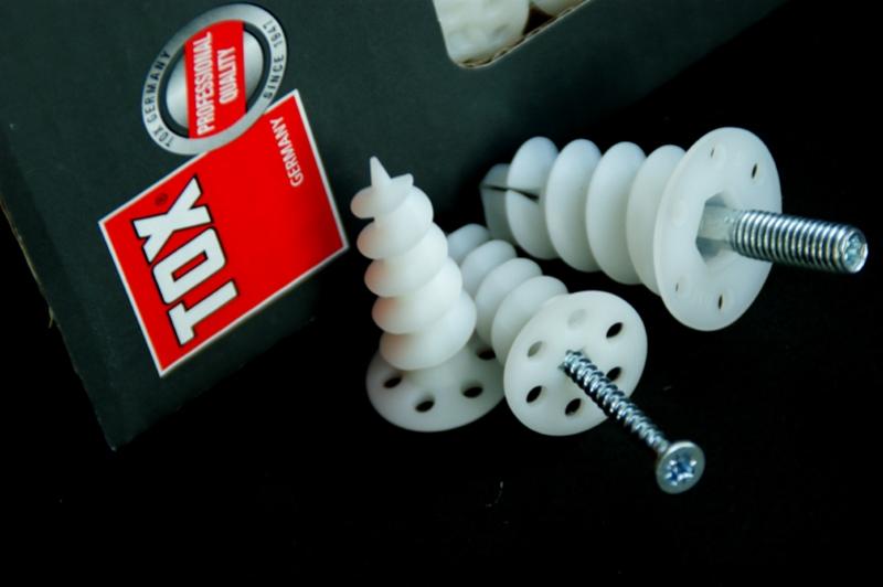 Kołki do mocowania w styropianie ISOL