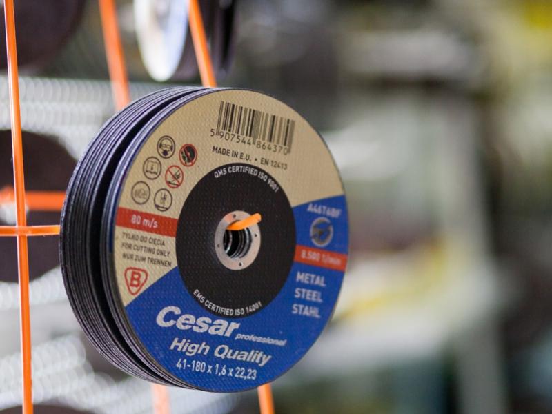 Promocja tarcz do cięcia i szlifowania CESAR super ceny - szlifierka gratis